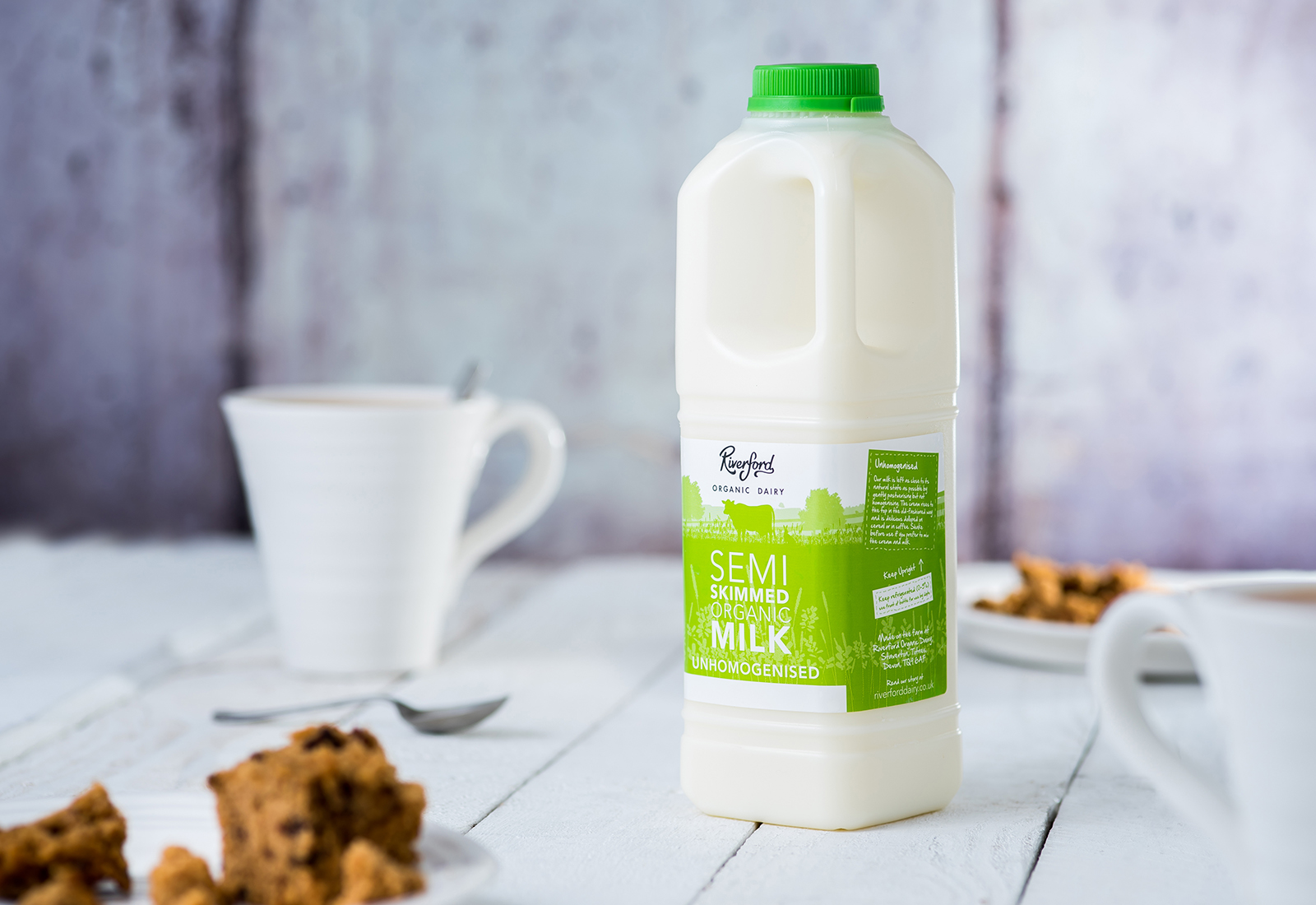 A picture of Organic Semi Skimmed Milk from Riverford Organic Dairy